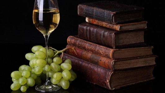 food___drinks_wine_and_books_079275_