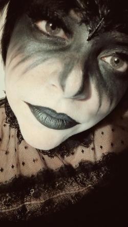 The Raven by Edgar Allan Poe Makeup Elaine Howlin Literary Blog (2)