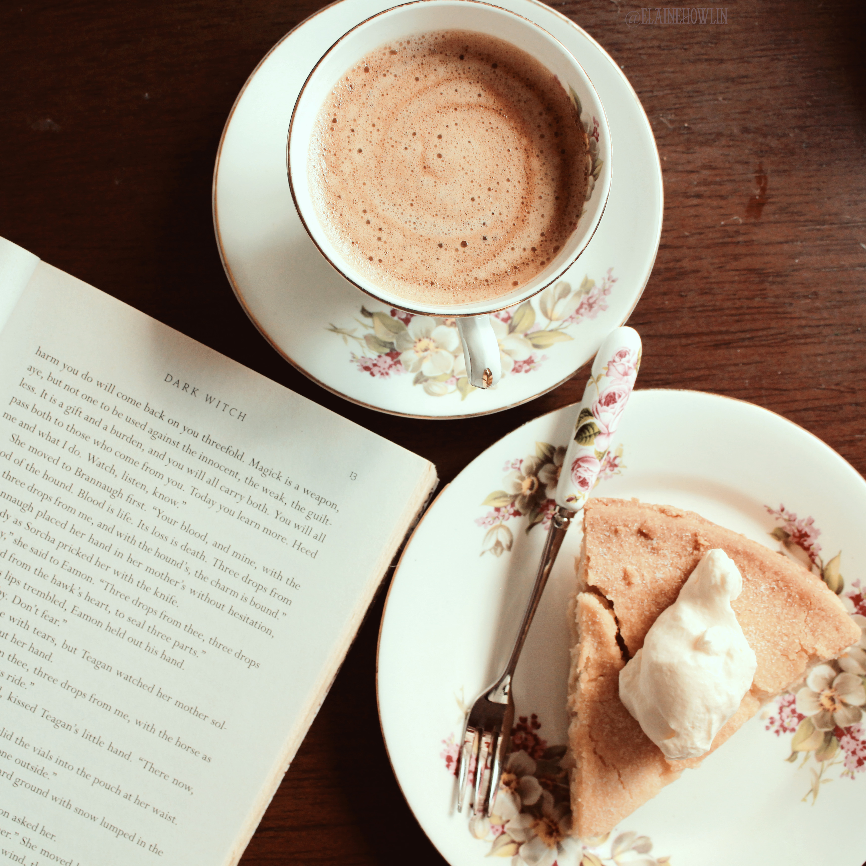 Coffee, apple tart and a book