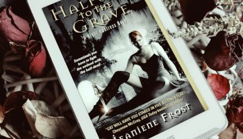 Halyway to the Grave Night Huntress 1 by Jeaniene Frost Elaine Howlin Book Blog