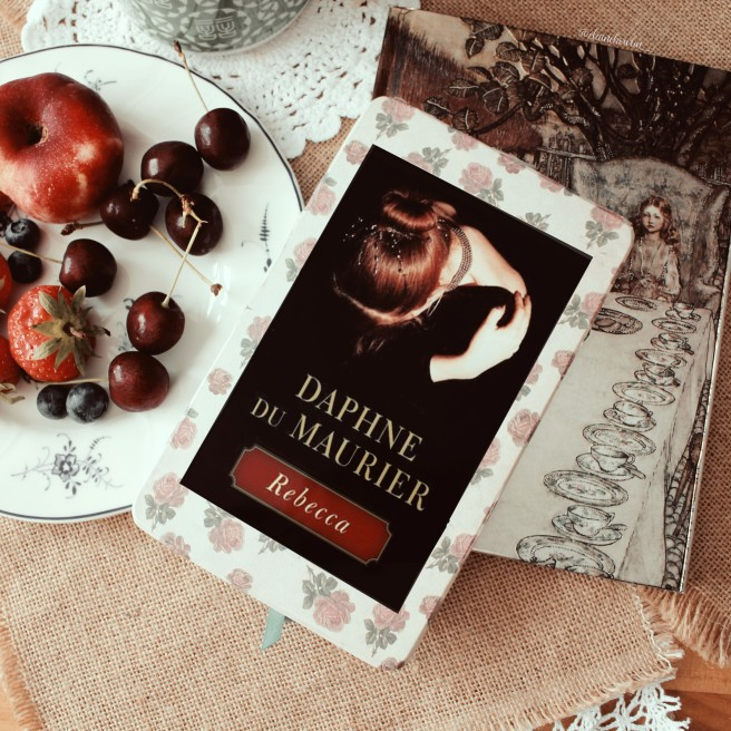 Rebecca by Daphne du Maurier Elaine Howlin Bookstagram